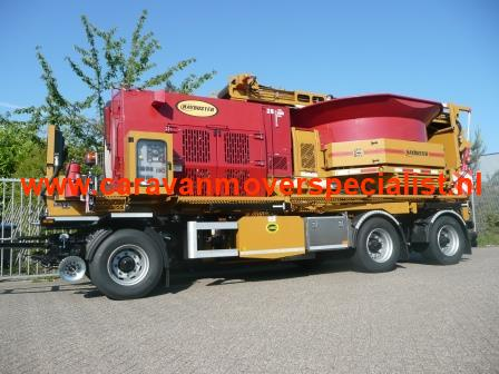 Haybuster met hydraulisch rangeersysteem VMT Mover Systems
